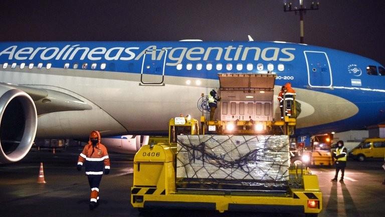 Partió a Rusia el vuelo programado de Aerolíneas Argentina