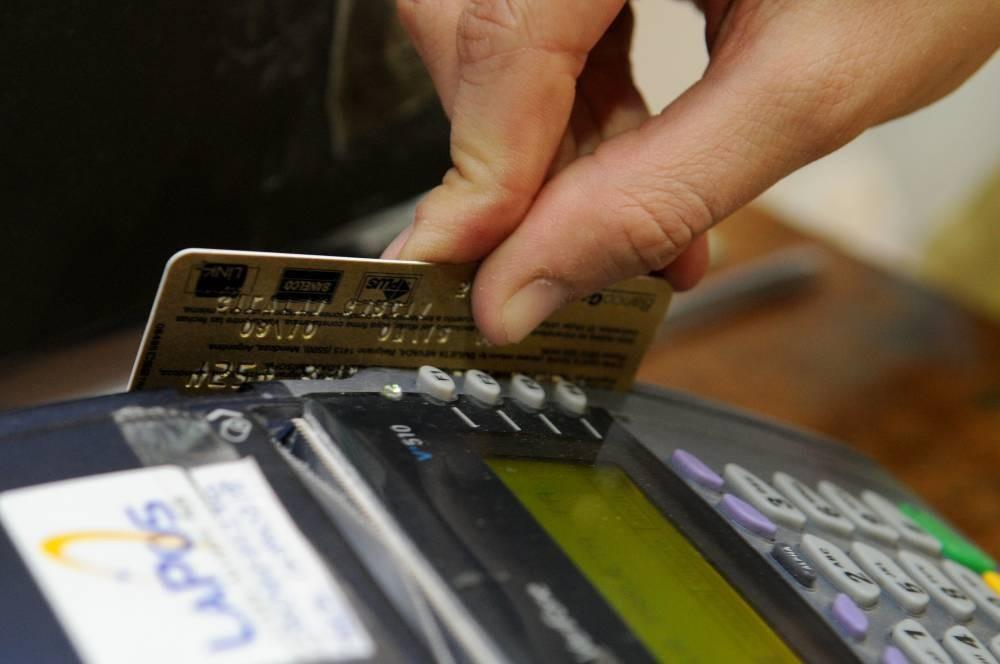 Las ventas con tarjetas de crédito y débito crecieron 6,3% y 10% en enero