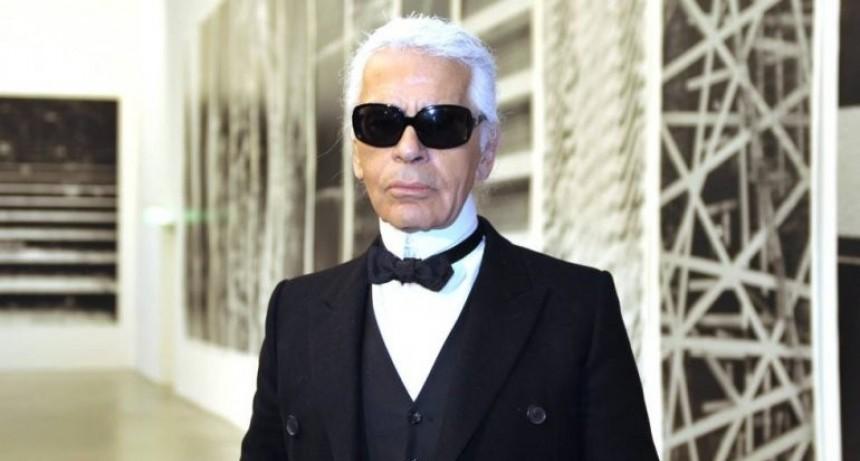 Murió Karl Lagerfeld director de Chanel