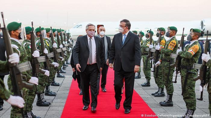 Alberto Fernández llega en visita oficial a México
