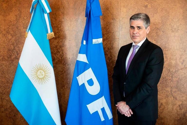 Pablo González asumió como presidente de YPF