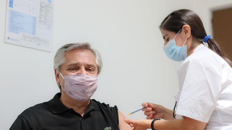 Ya se vacunó el 10% de lo prometido por Fernández