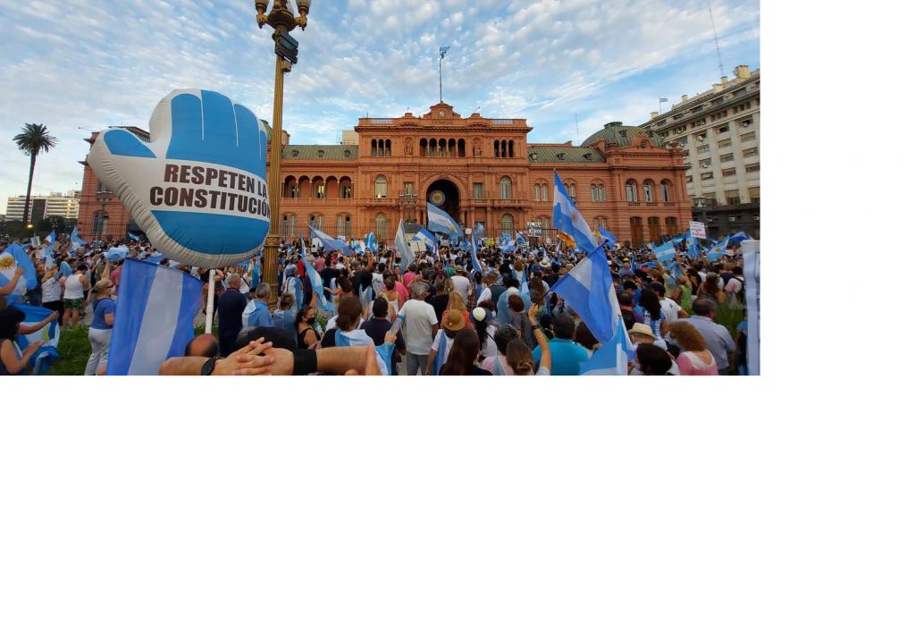Marcha contra el Gobierno en Plaza de Mayo y varias ciudades por las vacunas VIP