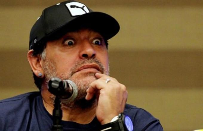 Maradona sin línea: le cortaron el celular por falta de pago