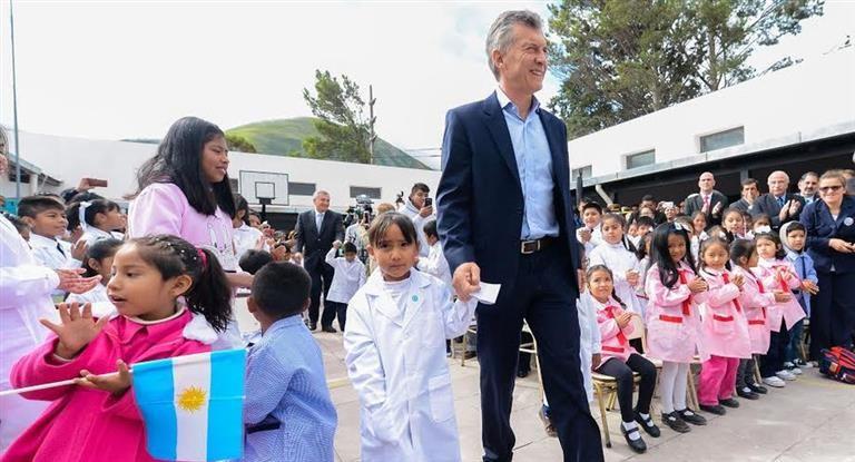 Macri inaugura el ciclo lectivo 2018 en una escuela de Corrientes