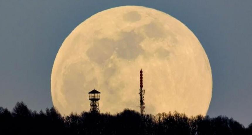 La belleza de la superluna del equinoccio