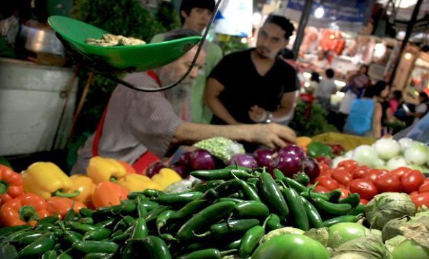 Los alimentos incluidos en la canasta básica volvió a superar el 4%