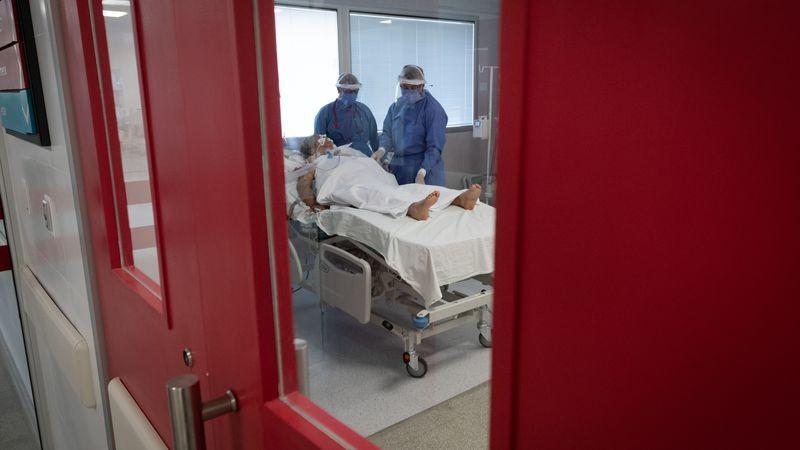 Argentina confirman 262 muertes y 7.855 nuevos contagios de COVID-19