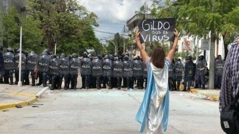 Formosa: la Policía reprime con balas de goma y gases lacrimógenos
