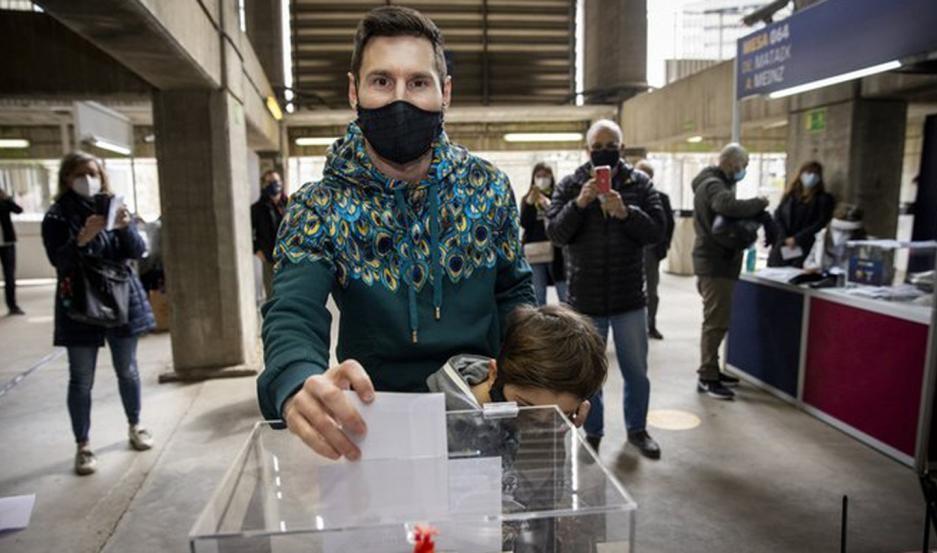 Lionel Messi votó en las elecciones del Barcelona