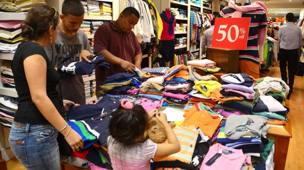 Las ventas minoristas cayeron 6,5% en febrero