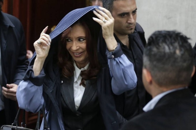 Cristina Kirchner va al Congreso para ordenar la interna del bloque