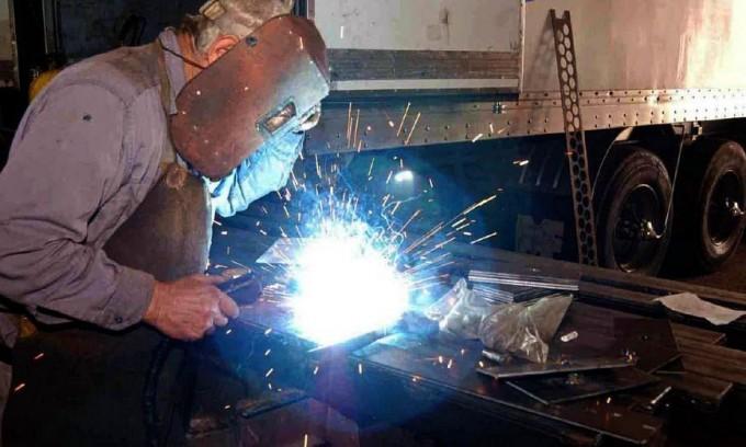 UOM: Micro paritarias los empresarios metalúrgicos ofrecen  suba de 18% por 3 meses