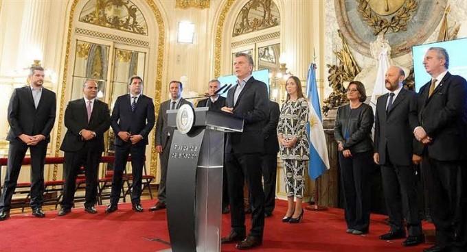 Macri acordó con gobernadores una optimización del gasto del Estado