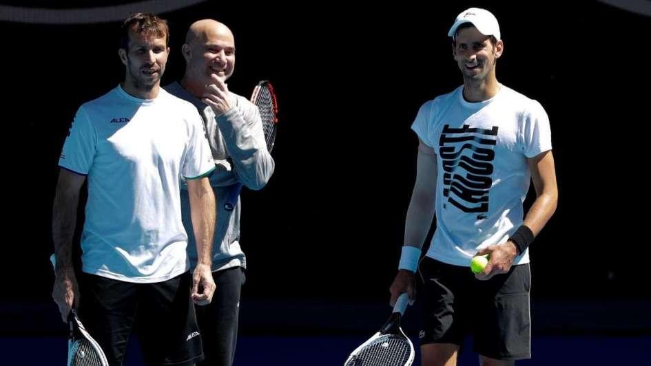 Djokovic: rompió con Agassi y Stepanek