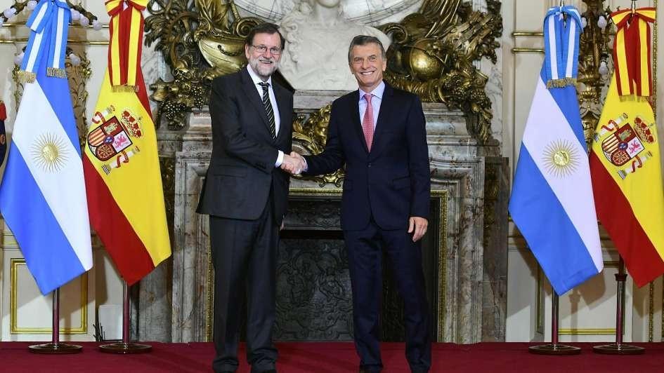 ¿Qué acuerdos claves firmaron el presidente español y Mauricio Macri?