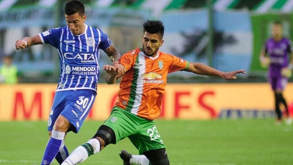 Banfield dejo lejos al Tomba en la Superliga argentina de fútbol