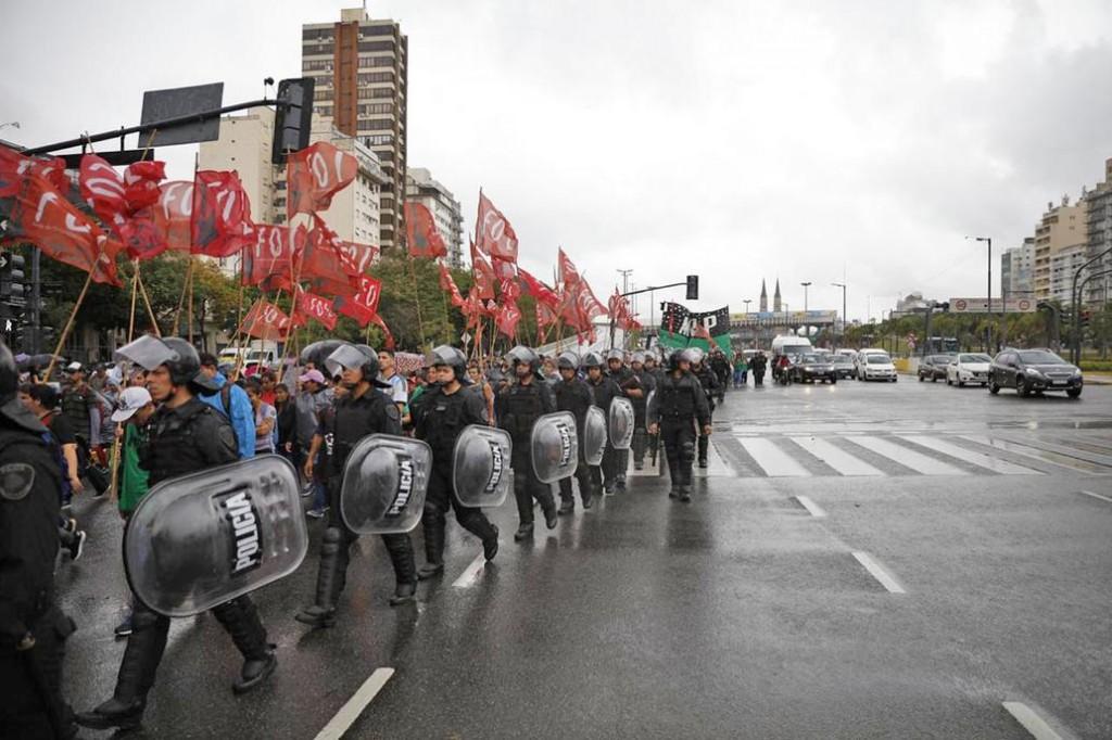 Cortes por protestas de organizaciones, docentes y taxistas