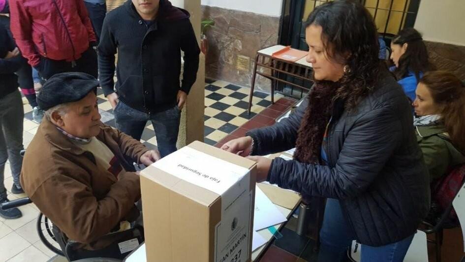 Mendoza: masiva concurrencia en elecciones primarias PASO