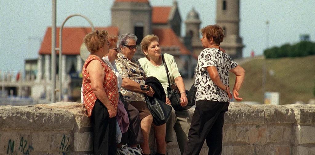 Jubilados: ¿Cuánto cobra en abril con bono incluido?