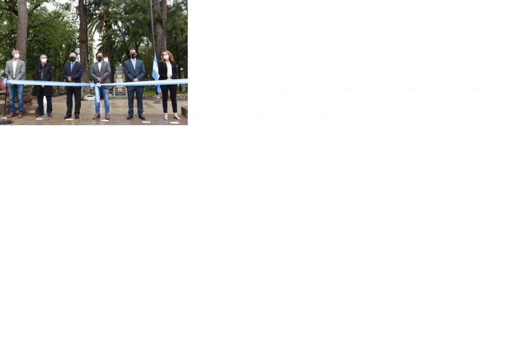 Sáenz inauguró remodelaciòn de la plaza de Chicoana