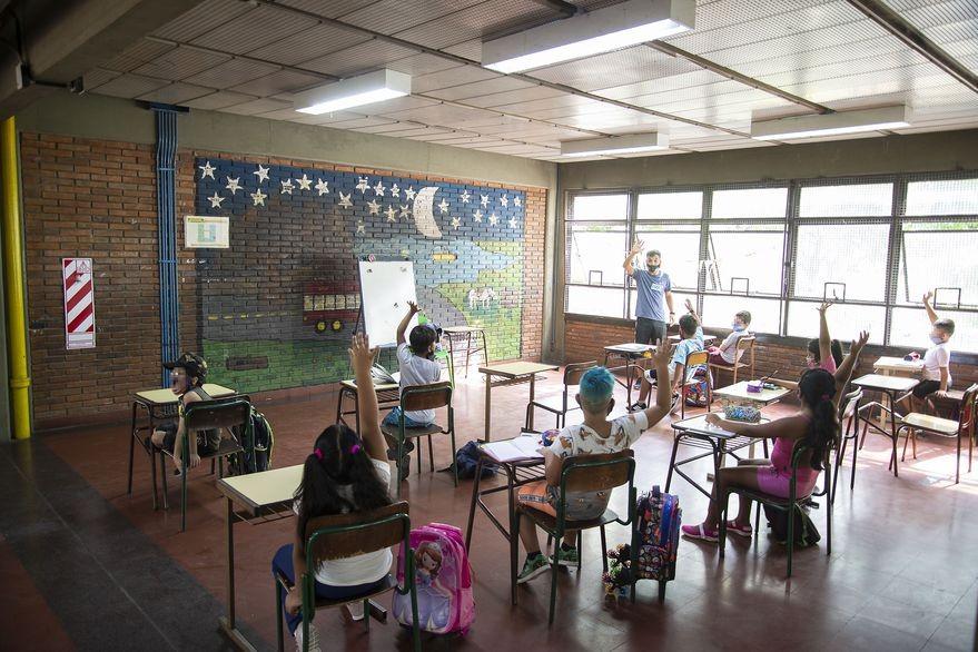 Confirman que es baja la incidencia de contagios en las escuelas