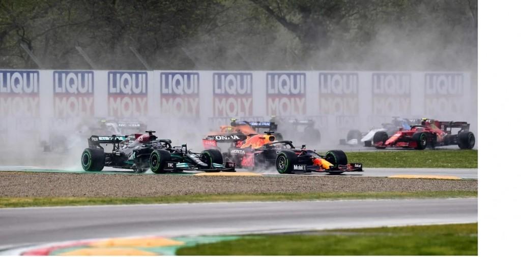 Verstappen se llevó un caótico GP de la Emilia Romaña