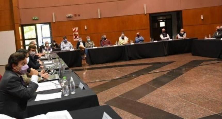 Sáenz se reunió con representantes de clínicas privadas