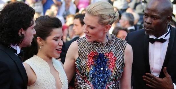 Insólito: se coló en el Festival de Cannes debajo del vestido de una actriz