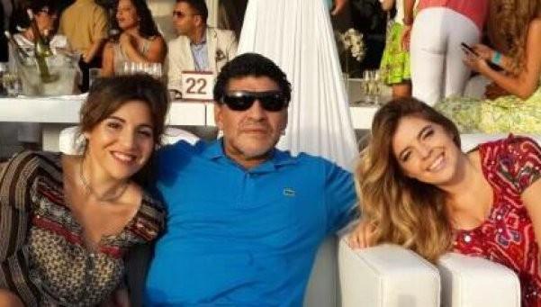Otro golpe de Diego: cartas documento a Claudia y sus hijas