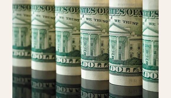 El Gobierno analiza hacer otra emisión de deuda en dólares para saldar importaciones y el Boden 2015