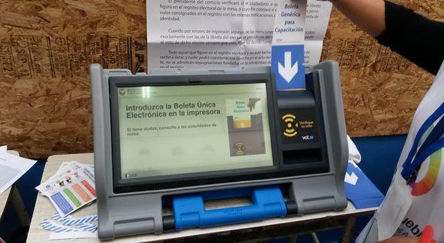 PASO: El gobierno demora la Reforma Electoral