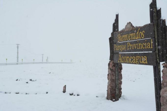 Cerraron el paso a Chile por la gran nevada
