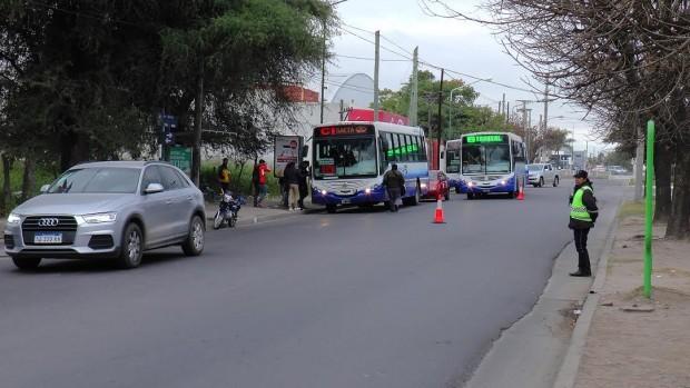Realizaron una campaña de concientización vial en las avenidas Chile y Paraguay