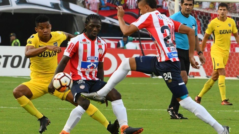 Boca sacó un empate en Barranquilla y sigue con vida