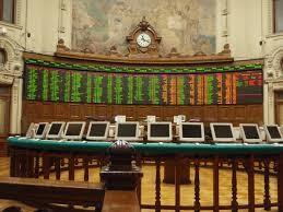 Bolsa chilena cae presionada por títulos de firmas con operaciones en Argentina