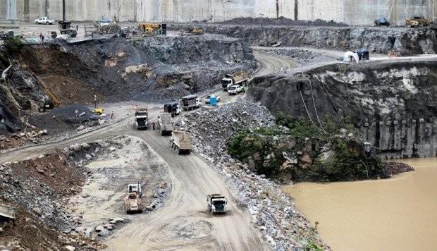 Más de 25.000 evacuados por el posible colapso de una represa en Colombia