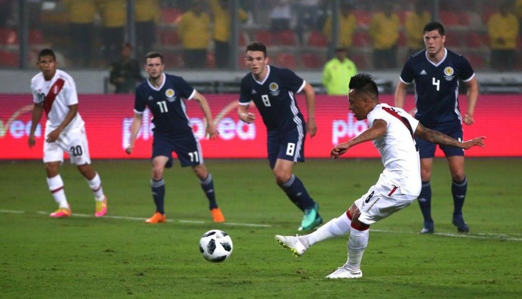 Perú consiguió otra victoria premundialista ante Escocia