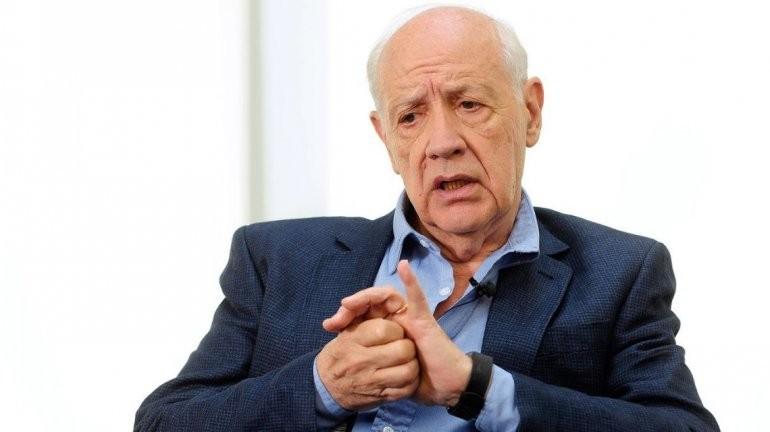 Roberto Lavagna presenta su acuerdo de estabilidad