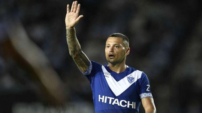 Vélez expulsa al delantero Mauro Zárate