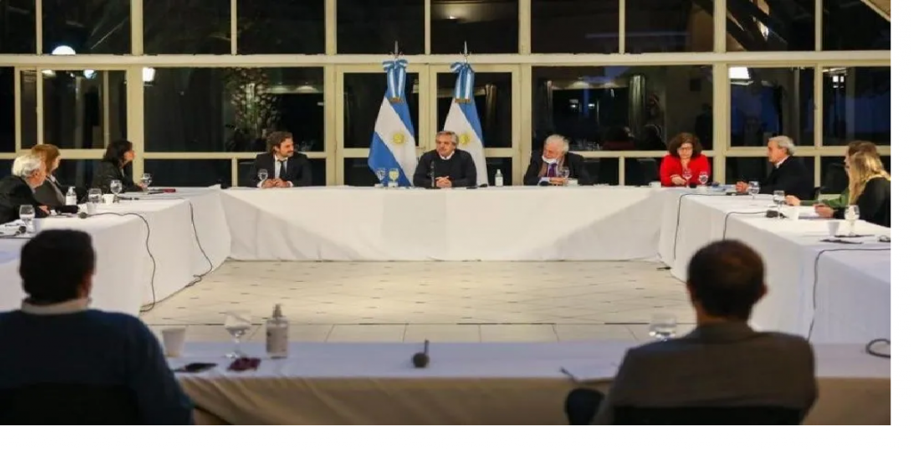 El Presidente se reunió con expertos para analizar cómo sigue la cuarentena
