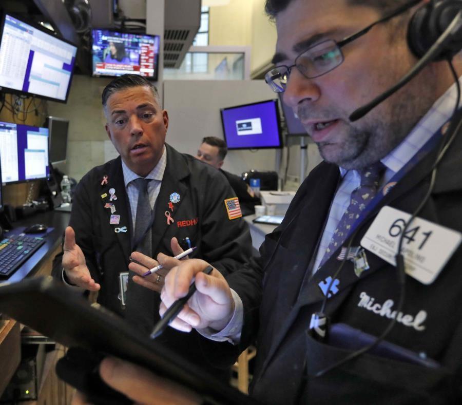 Wall Street cierra mixto con una bajada del 0,45% en el Dow Jones