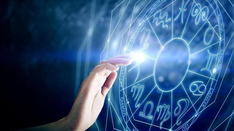 Las predicciones de mayo para todos los signos del zodiaco
