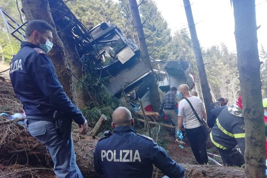 Italia: se cayó un teleférico y murieron 14 personas