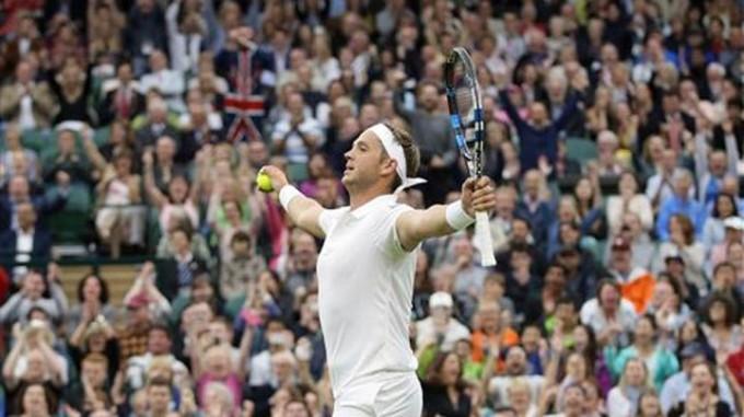 Wimbledon:Marcus Willis cayó ante Roger Federer