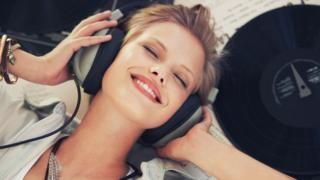 ¿Qué tan posible es escuchar música en tres dimensiones?