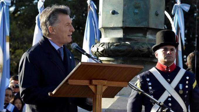 Mauricio Macri: afirmó que el  país ha comenzado a crecer