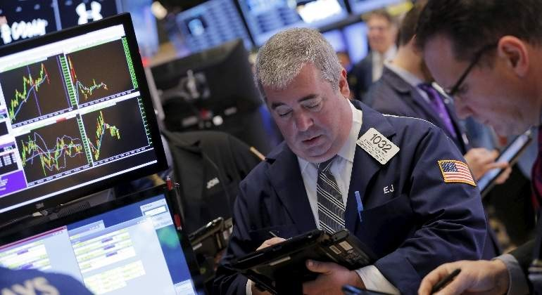Wall Street abre con ganancias y el Dow Jones avanza un 0.41 %