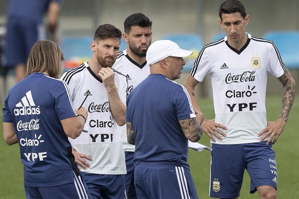 Sampaoli paró un equipo tentativo con miras al debut frente a Islandia