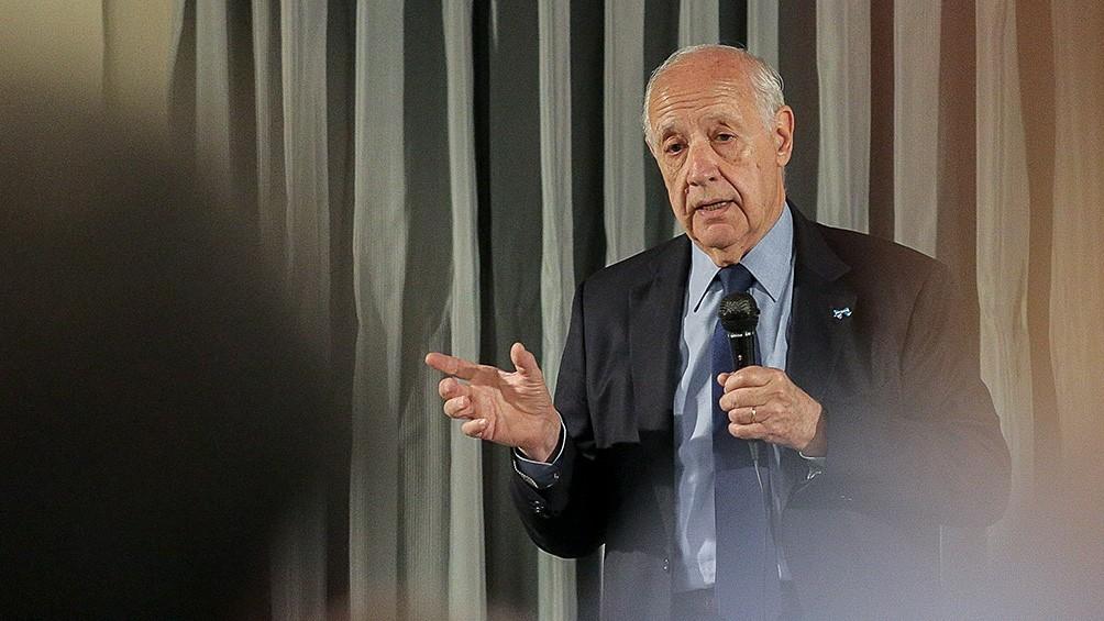Lavagna lanzó su precandidatura presidencial